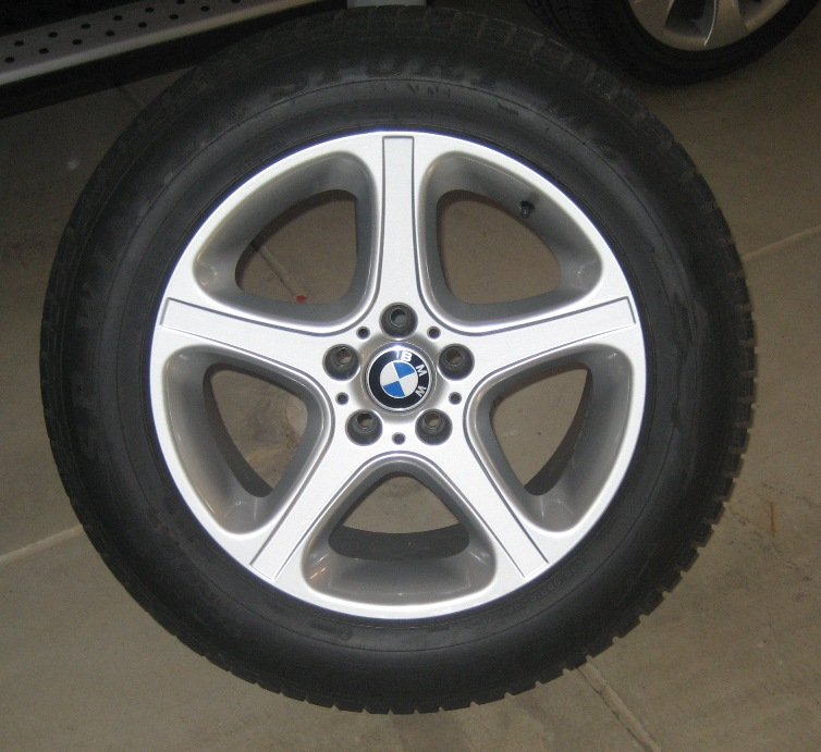 """FS: 18"""" Winter Wheel Setup For E53 X5; With Tires"""